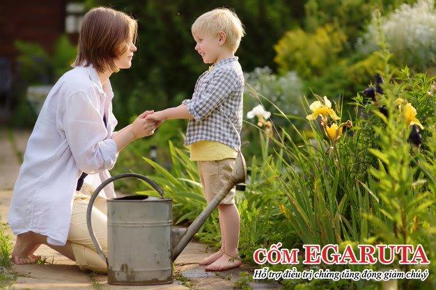 Cha mẹ cần tìm hiểu rõ lý do tại sao trẻ có hành vi nghịch ngợm